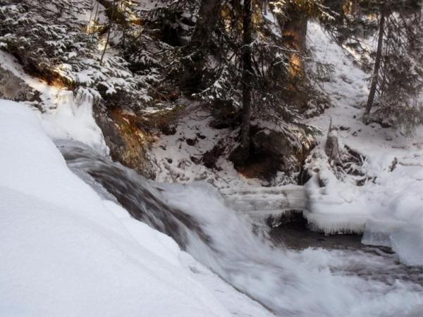 Жигаланский_водопад_Zhigalanskiy_vodopad