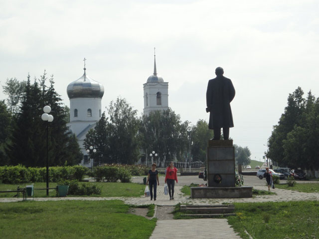 Ленин_и_храм_Lenin_i_khram