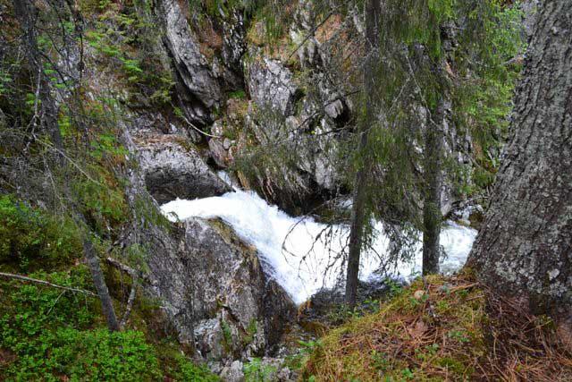 водопад_в_каньоне_vodopad_v_kanone