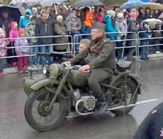 мотоциклисты_mototsiklisty