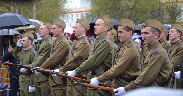 солдаты_на_параде_soldaty_na_parade