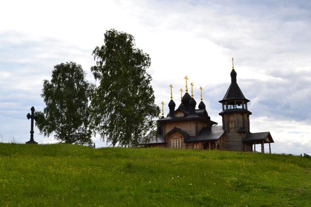 церковь_и_поклонный_крест_tserkov'_i_poklonnyy_krest