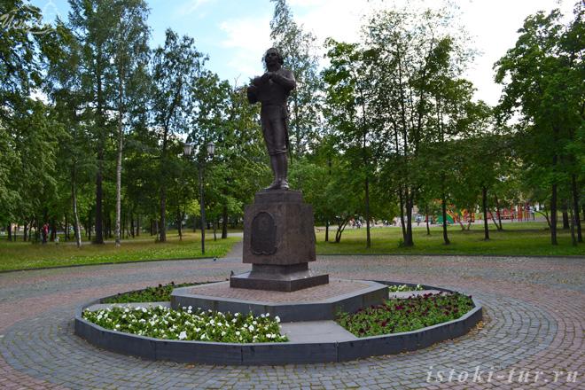памятник_Г.Р.Державину_pamyatnik_G.R.Derzhavinu